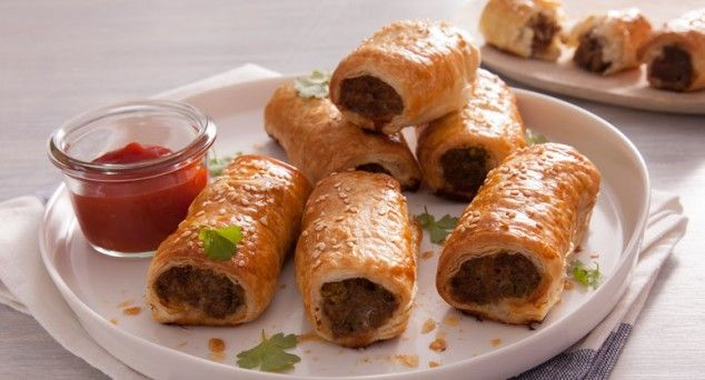 These incredible homemade Lamb & Rosemary Sausage Rolls are perfect for parties! Recipe courtesy of Erin Made This.  #australianfood #delicious #recipe