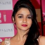 #KISSING QUEEN #ALIABHATT TO GET BOLD WITH #VARUNDHAWAN IN UPCOMING MOVIE! http://www.bollywooddhamaka.in/bollywood-dhamaka/kissing-queen-alia-bhatt-to-get-bold-with-varun-dhawan-in-upcoming-movie/7303