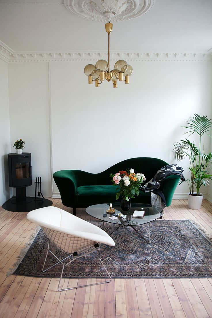 Living room inspiration | velvet perfection | Gubi Grand Piano Sofa