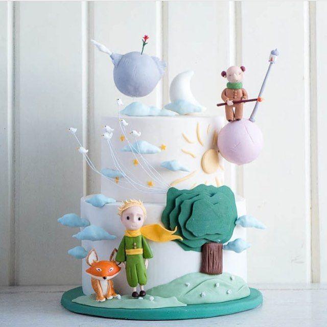 #InLove por esse #bolo tema #PequenoPrincipe todo em 3D  Marque as mamães que estão sonhando com esse tema #QueridaData #BeijoTripo  #regram @cottontailcakestudio