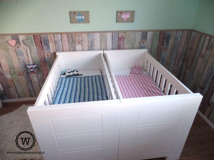 Sfeervolle tweelingkamer met voor ieder kind een eigen for Tweeling ledikant