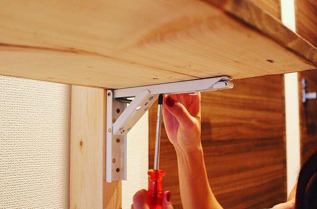 ワンタッチ折りたたみ棚受け タッチポン で調理台をdiy Diy Factory Column 棚受け パレットで作るベッド 折り畳み机
