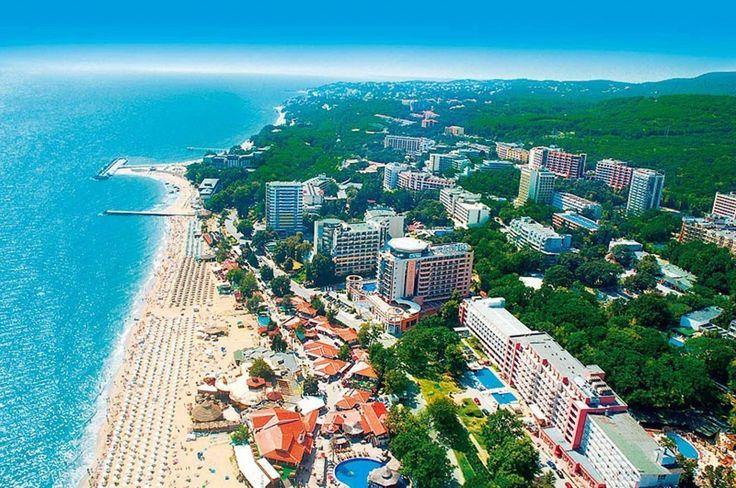 Flutur anunță că în vara anului viitor Tarom ar putea opera o cursă de vacanță Suceava-Varna și să suplimenteze cursele spre București. Se mai prefigurează curse charter spre Antalya, Alanya și Barcelona