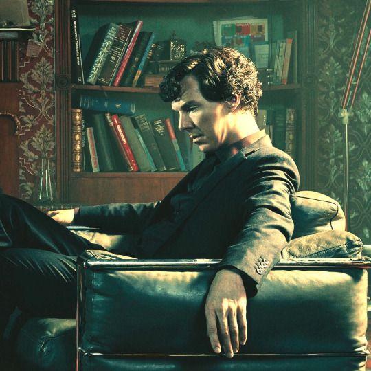 Sherlock's Bookshelves