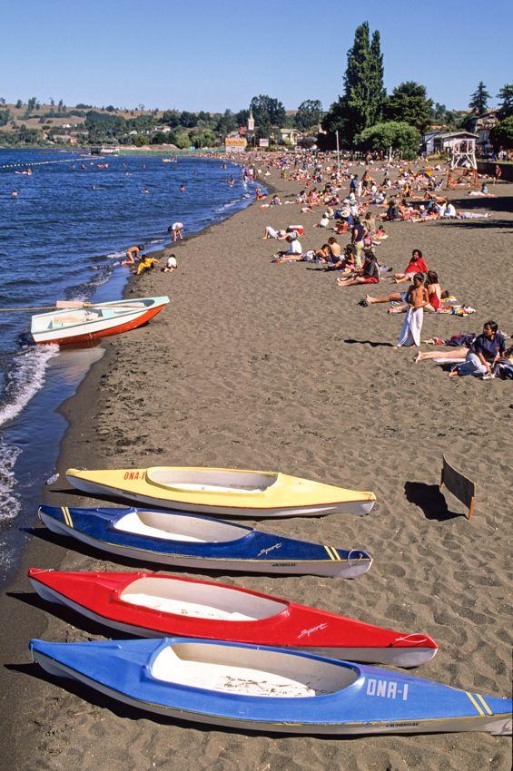 Los Lagos Region, Chile. The beach of Frutillar on  Lake Llanquihue. © Roberto Soncin Gerometta 1999