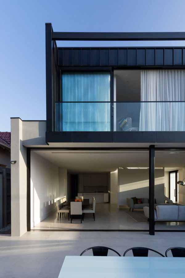 Airy Open Townhouses