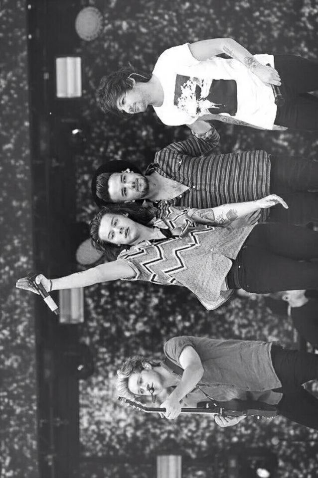 I am so excited to see these boys in 6 days! I am going to the show on August 29th Liam's birthday! Anyone else going?