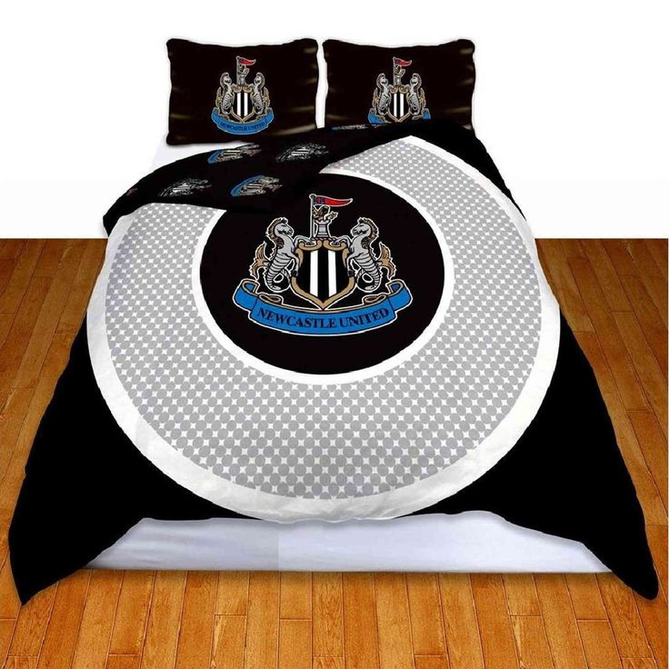 Newcastle United Bullseye Double Duvet Cover Set £20.65 Free UK Delivery