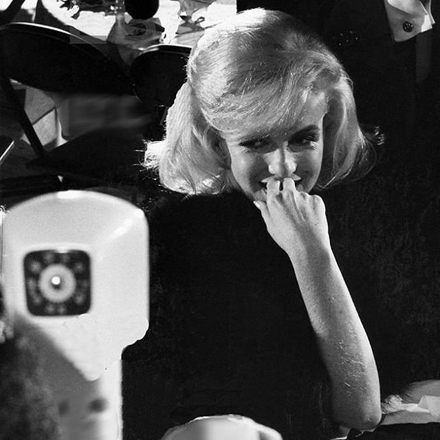 Marilyn at the Actor's Studio Benefit Gala at the Roseland Dance Hall, 1961 ❤⚘ #marilynmonroe