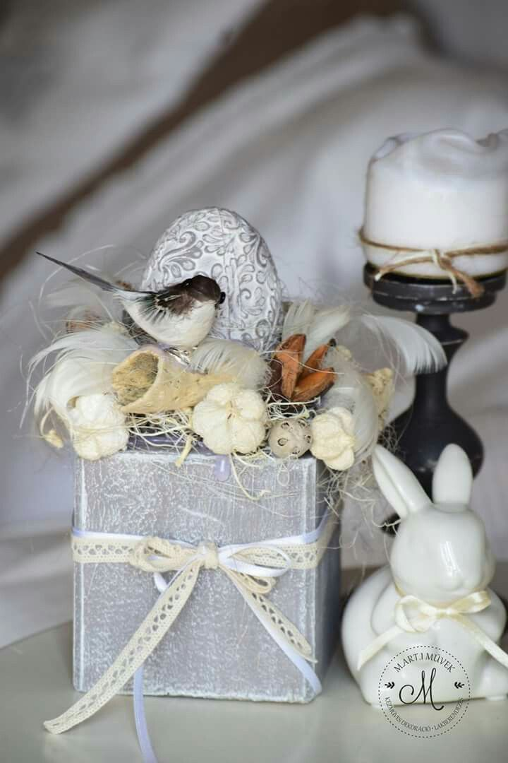 Easter decoration in lovely grey colours.
