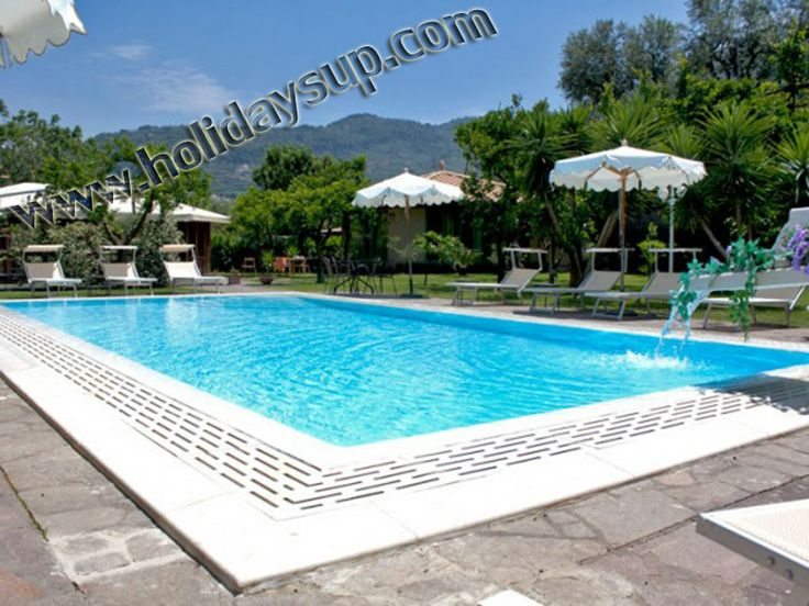 Shared swimming pool in residence sorrento with independet apartments close to center - bookingapartments sorrento town center