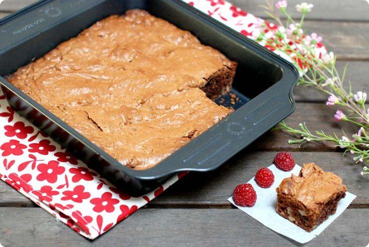 El brownie es de los bizcochos americanos más conocidos. Mezcla de harina, nueces, huevo, mantequilla y chocolate. Una bomba calórica.
