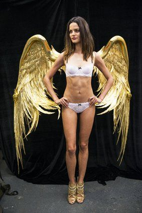 How The Victoria's Secret Fashion Show Wings Are Actually Made