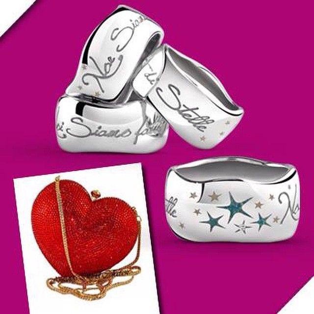 Sono piccoli #cieli disseminati di #stelle #luminose nella #notte... sono in #argento, con #diamante e #MadeinItaly sono un #mood, un modo di essere.... #speciale ed #unica. #NoiSiamoFattidiStelle, solo presso le gioiellerie nostre #concessionarie <3 #bliss #blissgioielli #Collection #dreams #desideri #amoreaprimavista