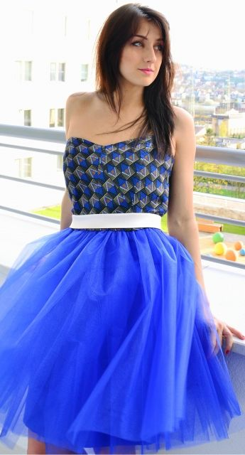 Alternatywna sukienka tiulowa chabrowa