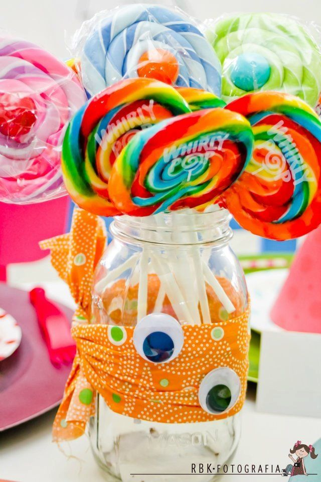 Easy way to dress up plain glass jar for monster party (fabric and google eye = not permanent)