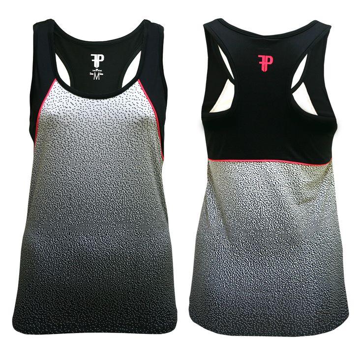 Camiseta Running Azar Camiseta Running de mujer. La camiseta Performance Raza combina a la perfección el rendimiento deportivo y el estilo urbano. Es una prenda ceñida y confeccionada con tejido transpirable que maximiza el flujo de aire y aleja el calor de la piel. Presenta detalles reflectantes. Composición: 97 POLYESTER, 3% SPANDEX. Disponible en tallas desde la XS hasta la XXL