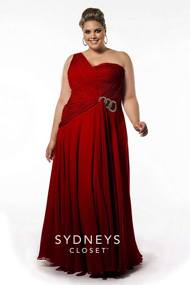 20 Plus Size Holiday Dresses to Keep on Your Radar on The Curvy Fashionista #TCFStyle