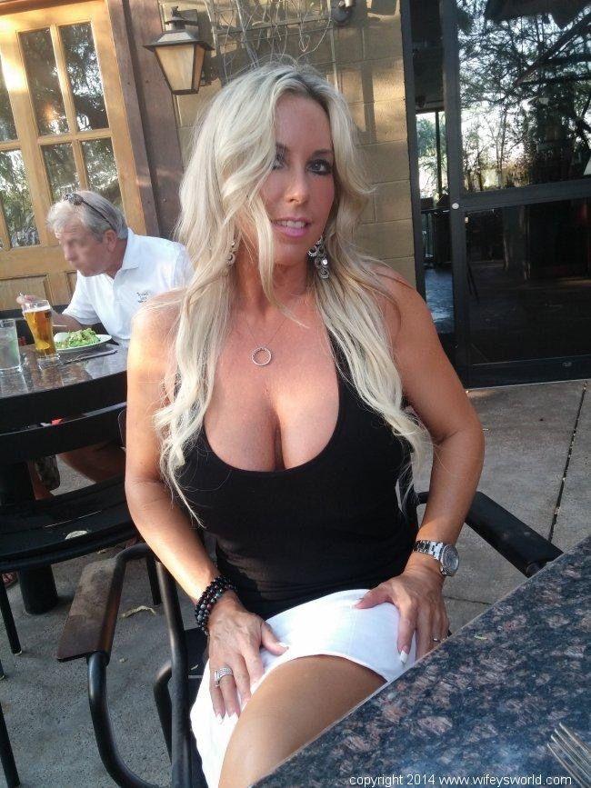 Wife getting fucked hard-3606