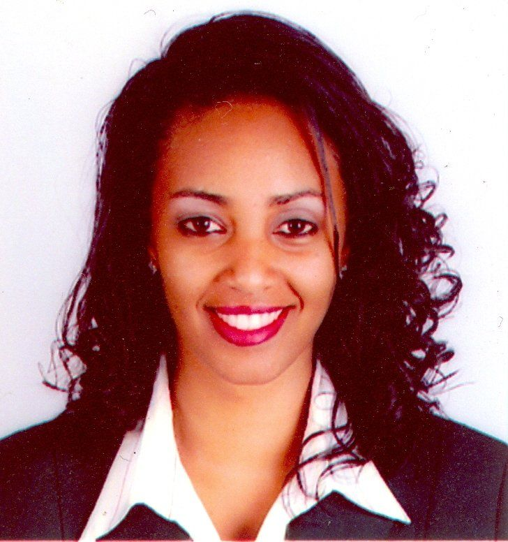 Ethiopian Cabin Crew member found and returned $10,000 to a passenger | nazret.com