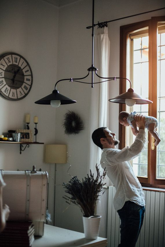 intimate newborn photos at home