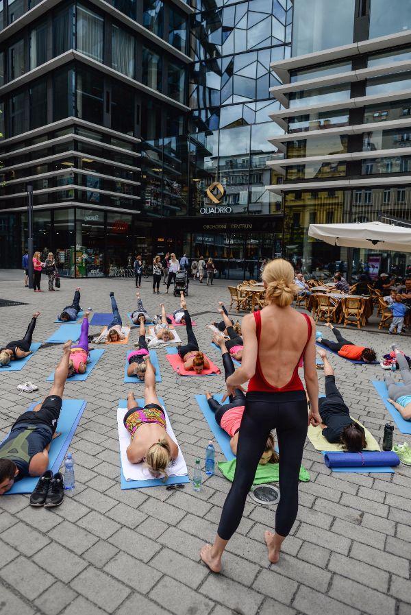 Bikram Yoga and the City.... #siluetyogawear #madewithloveforyou