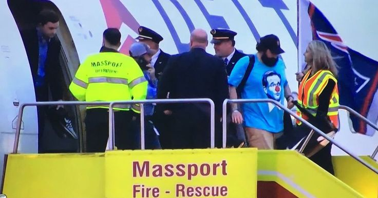 Matt Patricia made a bold statement about Roger Goodell without uttering a single word. Patriots coach Matt Patricia wore a Roger Goodell clown t-shirt on flight back to Boston.