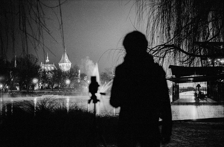 photographer silhouette Leica M2 Summicron 50mm f2  Ilford HP5 pushed to 1600 developed with LC29 119 20deg 14min filmcamera film analog filmisnotdead buyfilmnotmegapixels staybrokeshootfilm blackandwhite blackandwhitephotography blackandwhitefilm ilford analogcamera filmisalive filmcommunity filmphotography ishootfilm analogue analoguephotography thefilmcommunity autumn itsfilmisntit monochrome urban hasselblad leica m2 501c distagon 50mm summicron people photographer silhouette budapest…