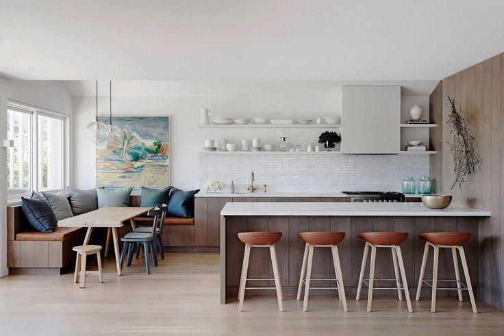 In die Küchenzeile integrierte Sitzbank