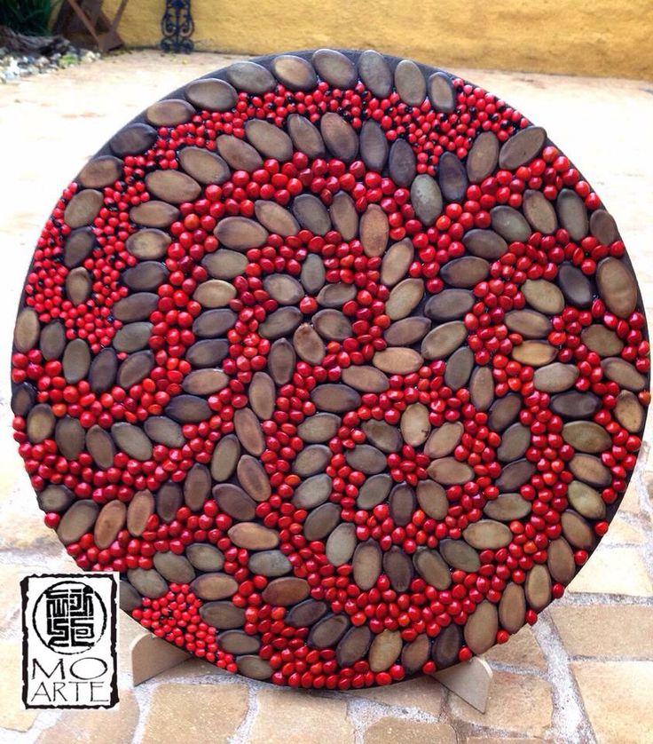Mandala feita de sementes
