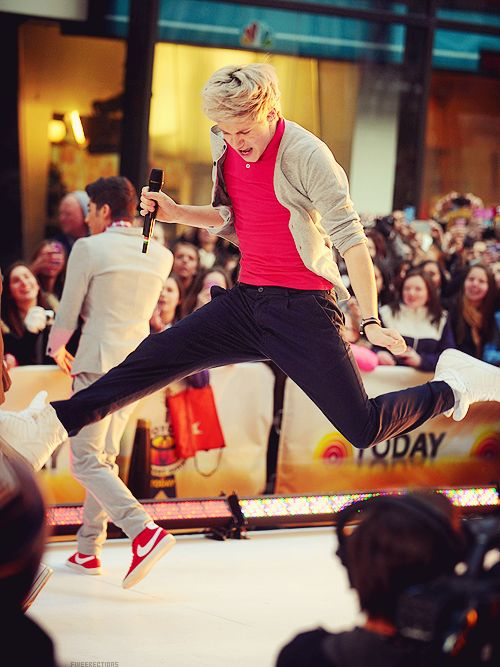 Love this jump!Direction Infection, Defying Gravity, James Horan, One Direction, Niall James, Niall Jumping, Nialljump, Niall Horan, Niallhoran