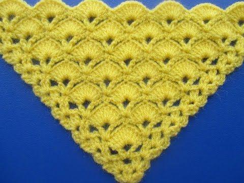 Chal Triangular Tejido a Crochet en Punto Abanicos - YouTube