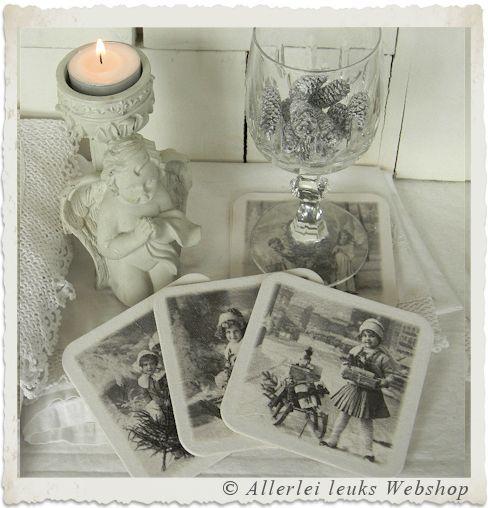 VOORBEELD Nostalgische kerst onderzetters met servetten techniek - Allerlei leuks nostalgische hobbymaterialen en decoratie
