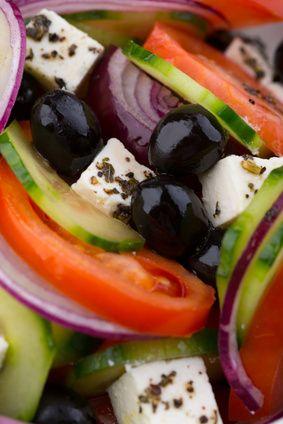 #Salades #classiques de l'#ete : les #vraies #recettes ! Découvrez la #vraie #recette de la #salade #nicoise, de la #salade #grecque et du #taboule #libanais http://www.comparedabord.com/blog/maison-mobilier/salades-classiques-de-l-ete-les-vraies-recettes
