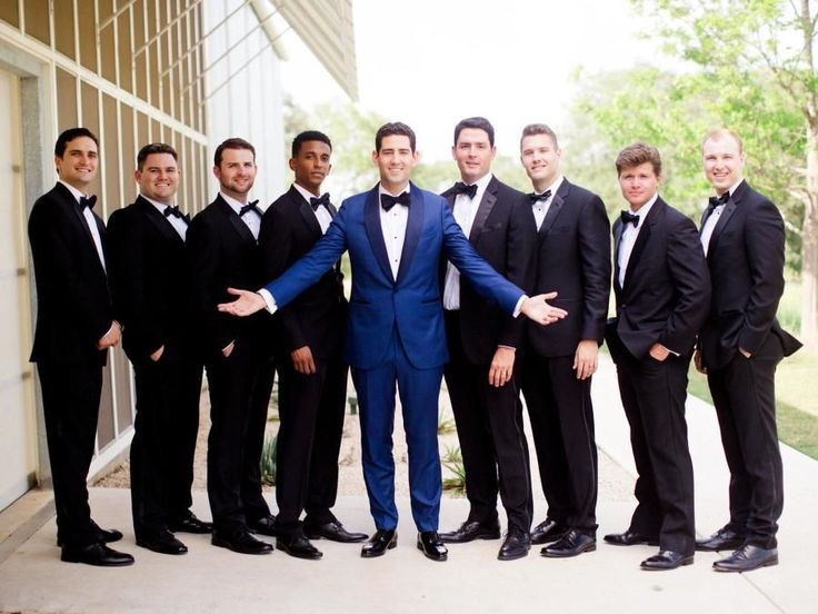 Gorgeous Minimalist + Modern Wedding Is Proof Less Is More – Groomsmen