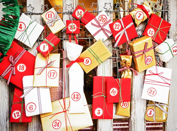 Holiday countdown calendars for Christmas, Yule, or Hanukkah - DIY ideas!