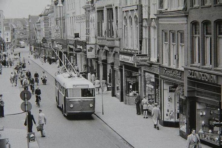Groningen<br />De stad Groningen: Herestraat in 1950