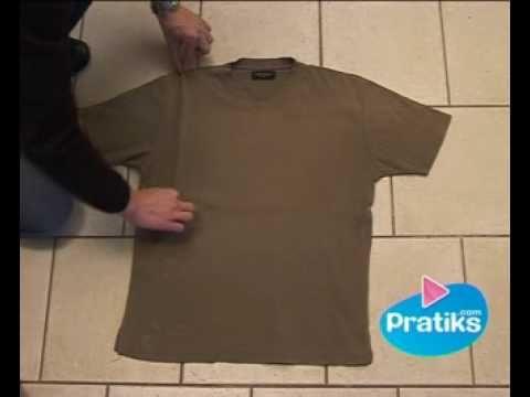 Comment plier un t-shirt en 5 secondes. Une méthode incroyable pour plier un t-shirt en moins de 5 secondes ! La technique d'expert pour plier un tee shirt s...