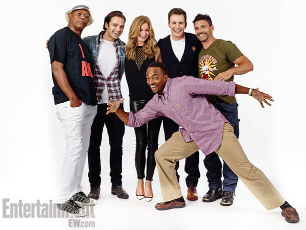 Captain America: The Winter Soldier Pose for Entertainment Weekly at Comic Con!