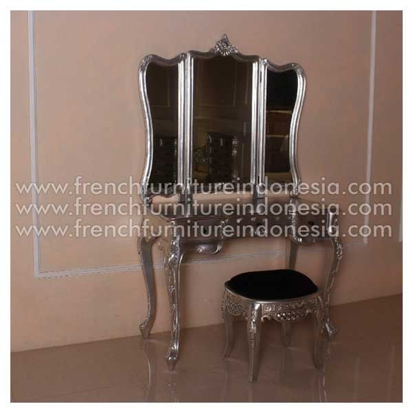 Order Rochella Dressing Mirror from Jepara Furniture. We are reproduction furniture 100% export furniture manufacture with French Furniture style and high Quality Finishing. This Dressing Mirror is made from mahogany woods and design has a strong construction. #FurnitureOnline #SuppliersFurniture #CustomFurniture #ExporterFurniture #IndonesiaFurniture