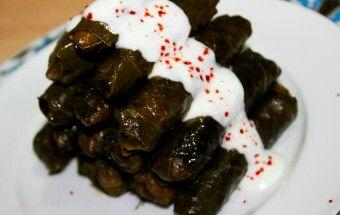 Kara lahana sarmasi turkish food