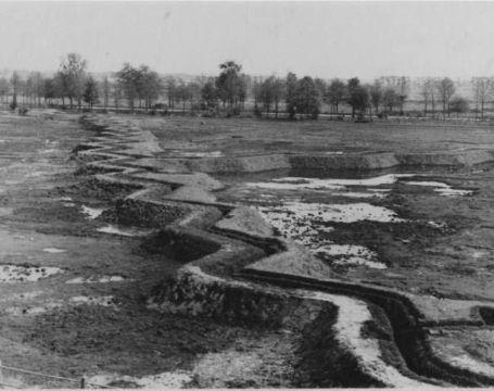 Groningen 1940-1945 Duitse loopgraaf in het Stadspark