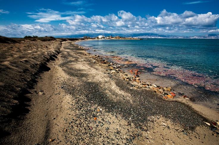 Unique places overlooking the Gaidourοnisi in #Ierapetra.  Μοναδικά τοπία με φόντο το Γαϊδουρονήσι στην Ιεράπετρα.   Photo : Σετάκης Γρηγόρης ((CC-BY- ND )