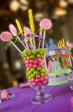 candy bouquet: Girls Birthday Party, Girls Birthday Centerpieces, Birthday Parties, Bouquets Perfect, Birthday Idea, Candy Birthday Party, 3Rd Birthday, Candy Bouquets, Party Centerpieces