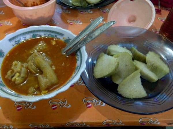 @pulkam: [KULINER] Lontong Kikil Ria Surabaya enak+banyak Photo - Eki Prastanti M. | Lockerz