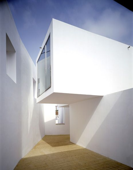 portugal Manuel Aires Mateus and Francisco Aires Mateus House in Alenquer, Portugal, 1998-2000