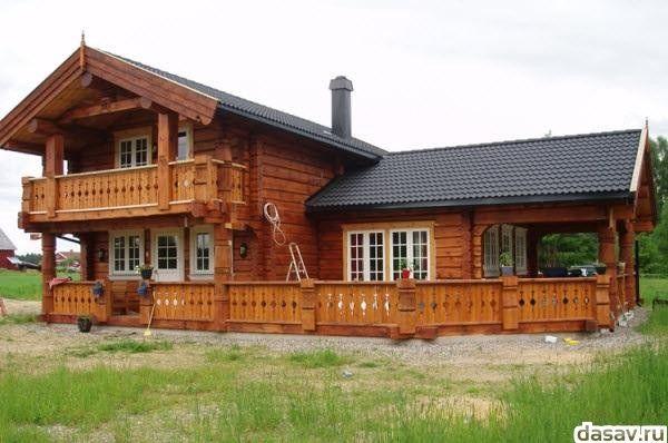 Деревянные дома из оцилиндрованного бревна и лафета
