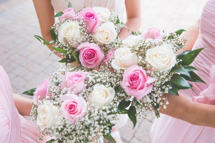 Wedding Photography / Toronto photographer / Bouquets / Bridesmaids / www.wilsonhophotography.com