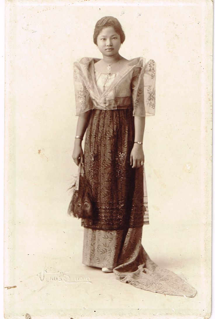 My fashionista auntie, Felisa Rojas -Rosal..Shown here at the age of 15 in 1925...picture taken in Cavite City.