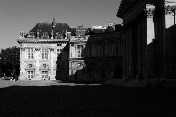 Harte Lichtkontraste in Paris - 31. Juli 2013